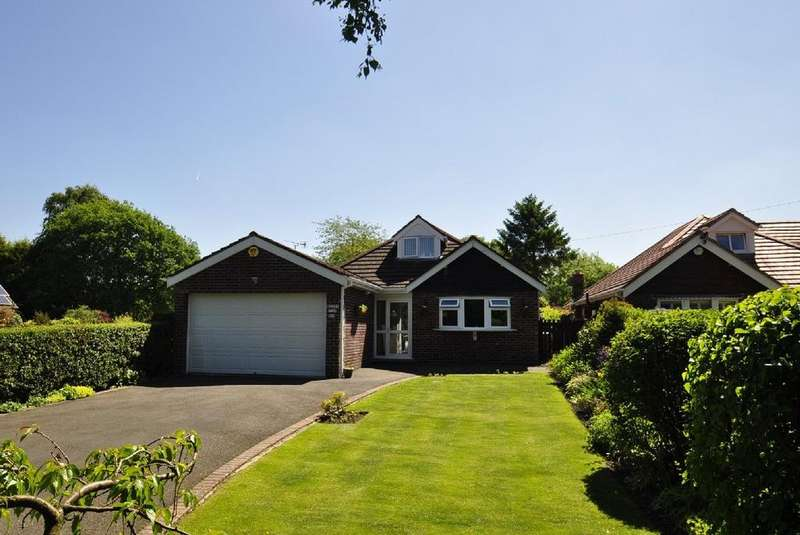 3 Bedrooms Detached Bungalow for sale in Church Lane, Woodford