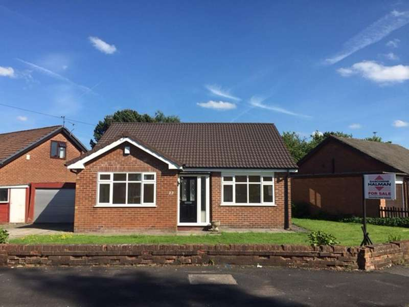 3 Bedrooms Detached Bungalow for sale in Burton Drive, Poynton