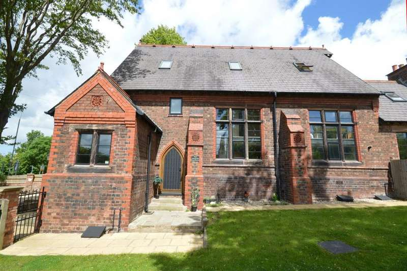 3 Bedrooms Mews House for sale in Chapel Houses Hill Top Road, Preston On The Hill, Warrington