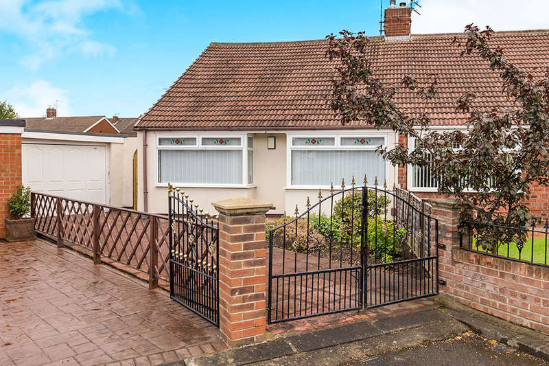 2 Bedrooms Semi Detached Bungalow for sale in Evenwood Gardens, Middlesbrough, TS5