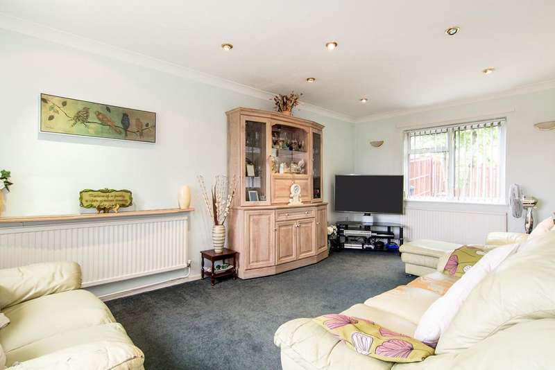 3 Bedrooms House for sale in Lancaster Road, Northolt