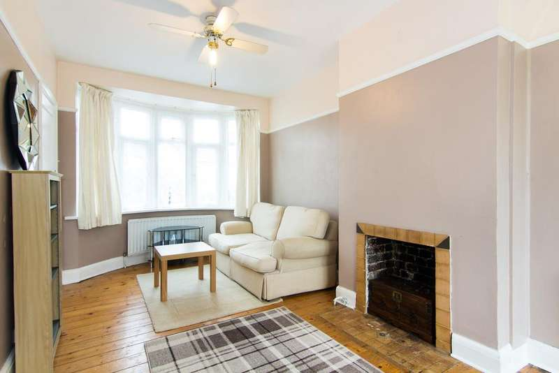 3 Bedrooms House for sale in Ascot Gardens, Southall