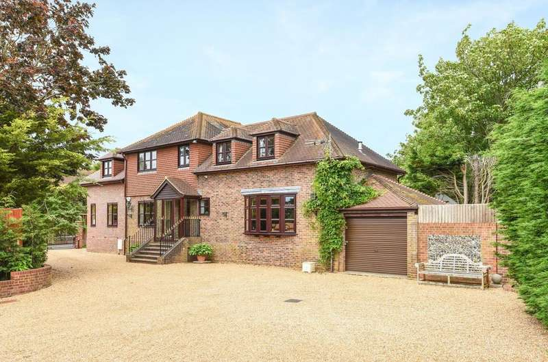 5 Bedrooms Detached House for sale in Mill Lane, Langstone, Langstone, PO9