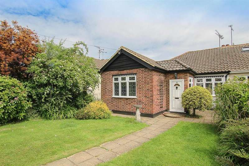 2 Bedrooms Semi Detached Bungalow for sale in The Meadows, Ingrave, Brentwood