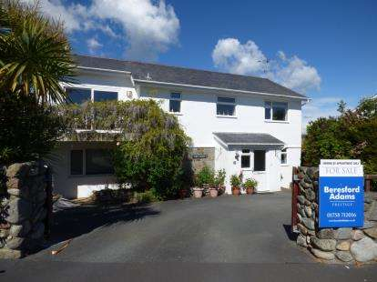 4 Bedrooms Detached House for sale in Tan Y Gaer, Abersoch, Gwynedd, LL53