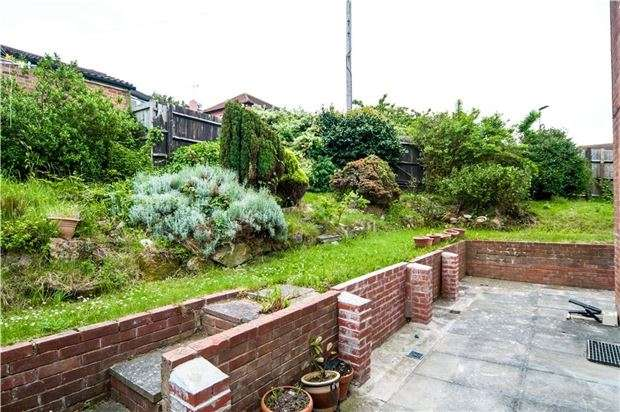 3 Bedrooms Detached House for sale in Fulford Close, ST LEONARDS-ON-SEA, East Sussex, TN38 0PN