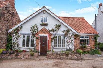3 Bedrooms Detached House for sale in Buttacre Lane, Askham Richard, York, North Yorkshire
