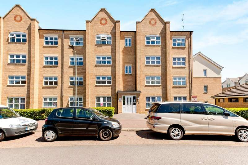 2 Bedrooms Flat for sale in Crowe Road, Bedford, MK40