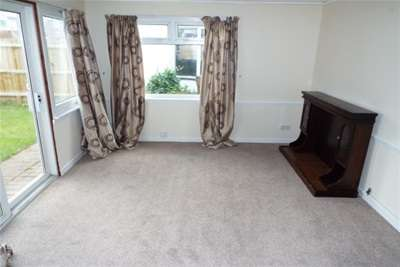 3 Bedrooms House for rent in EVELYN ROAD - MOORDOWN