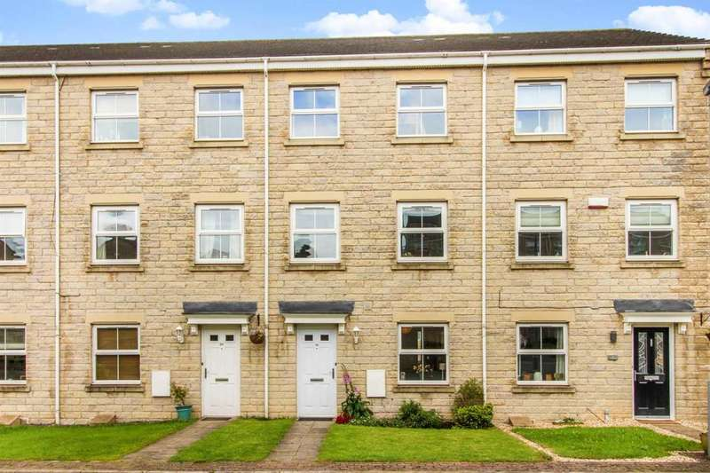 4 Bedrooms Terraced House for sale in Bewick Drive, Bingley