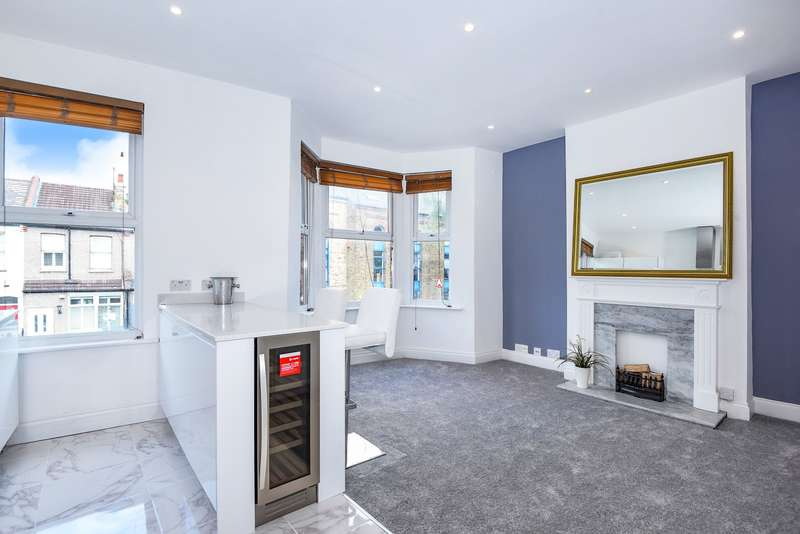 2 Bedrooms Flat for sale in Wycliffe Road, Wimbledon, SW19