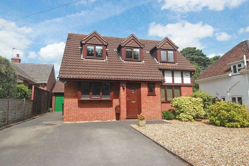 3 Bedrooms Detached House for sale in River Way, Christchurch
