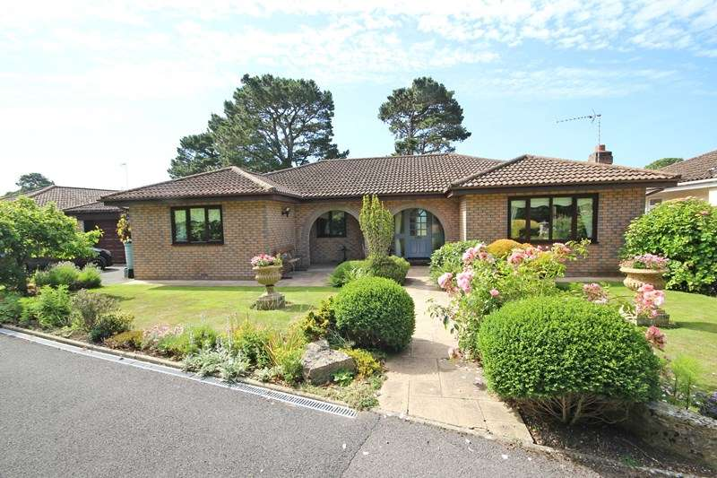 4 Bedrooms Detached Bungalow for sale in Southern Oaks, New Milton