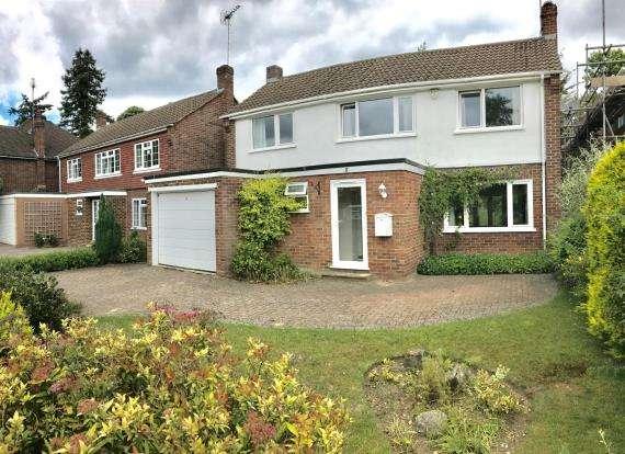4 Bedrooms Detached House for sale in Woodham, Surrey