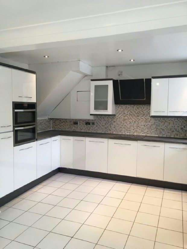 3 Bedrooms Terraced House for sale in Western Avenue, Liverpool