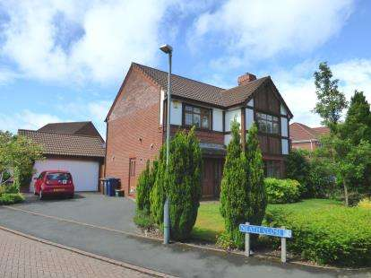 4 Bedrooms Detached House for sale in Neath Close, Walton-Le-Dale, Preston, PR5