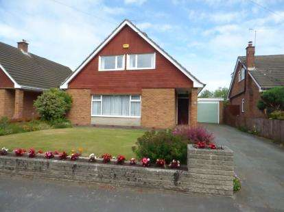 4 Bedrooms Detached House for sale in Ravenmeols Lane, Formby, Merseyside, England, L37