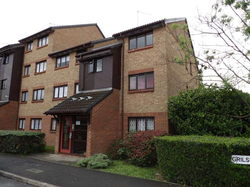 1 Bedroom Property for sale in Grilse Close, London