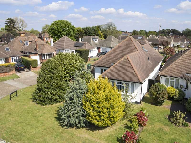 3 Bedrooms Detached Bungalow for sale in Walton on Thames