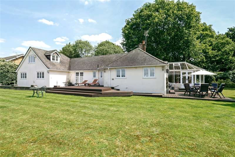 5 Bedrooms Flat for sale in Fern Lane, Little Marlow, Buckinghamshire, SL7