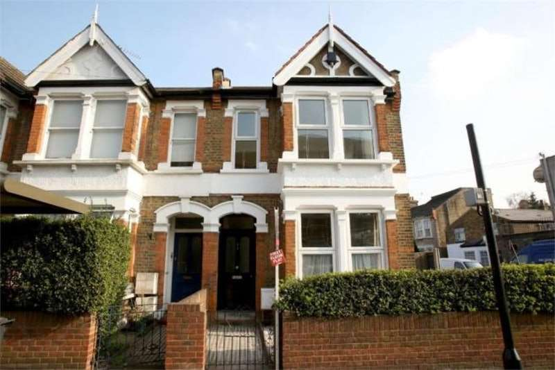 3 Bedrooms Maisonette Flat for sale in Hainault Road, London, London, E11