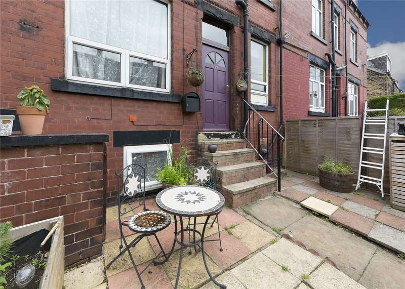 3 Bedrooms Terraced House for sale in Warrels Place, Leeds, West Yorkshire, LS13