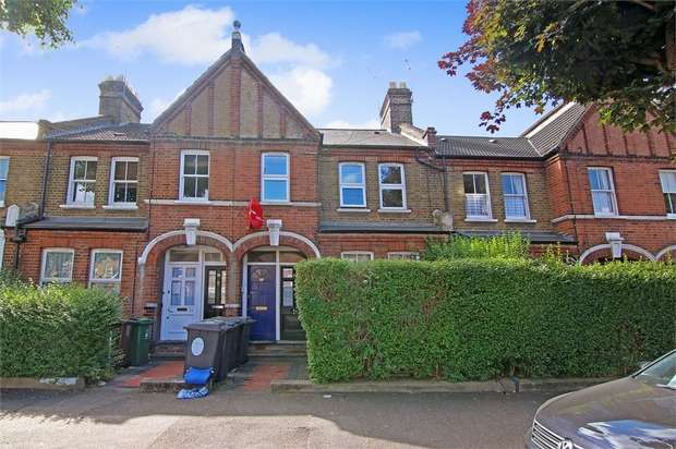 3 Bedrooms Flat for sale in Warner Road, Walthamstow, London