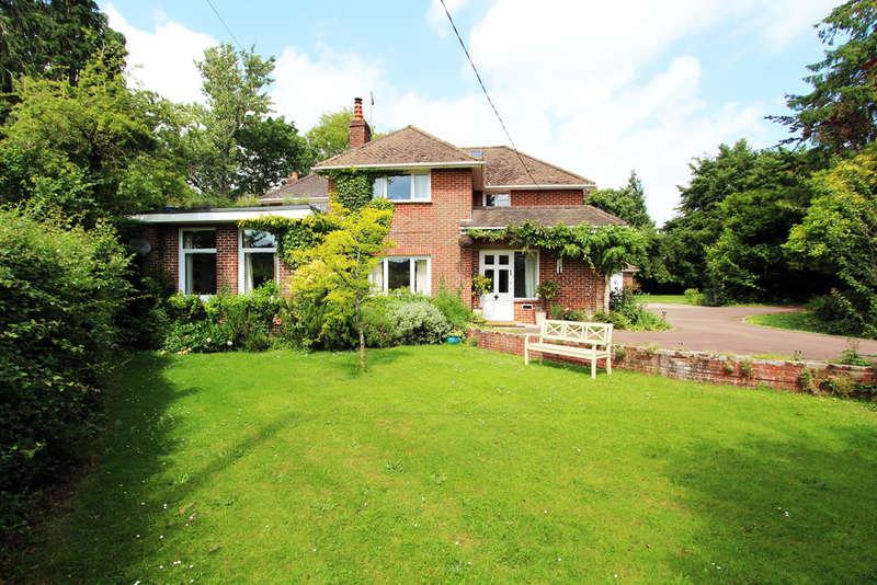 5 Bedrooms Detached House for sale in Kingsmead, Wickham