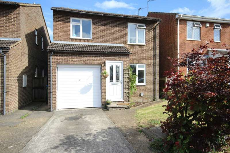 4 Bedrooms Detached House for sale in Picasso Place, Aylesbury