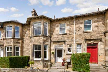 4 Bedrooms Terraced House for sale in Argyll Avenue, Stirling