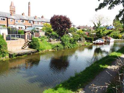 3 Bedrooms Terraced House for sale in Stocks Road, Ashton-On-Ribble, Preston, Lancashire, PR2