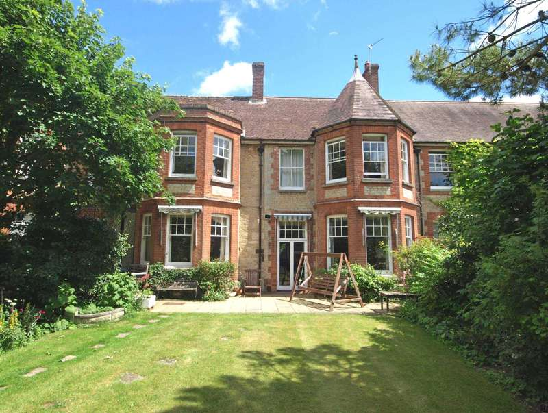 House for sale in The Manor, Fringford