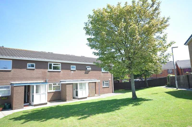 2 Bedrooms Flat for sale in Kincraig Place, Bispham, Blackpool, Lancashire, FY2 0NA