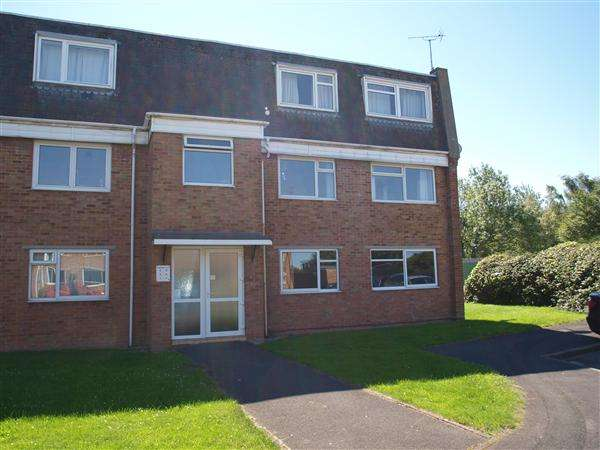 2 Bedrooms Apartment Flat for sale in Kimmeridge Close, Swindon