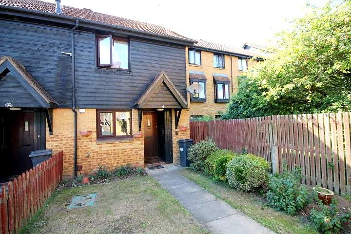 2 Bedrooms End Of Terrace House for sale in Deerhurst Close, Feltham, TW13