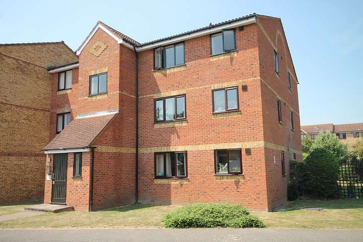 1 Bedroom Flat for sale in Redford Close, Feltham, TW13