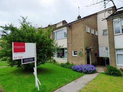4 Bedrooms Terraced House for sale in Hawk Road, New Mills, High Peak, Derbyshire