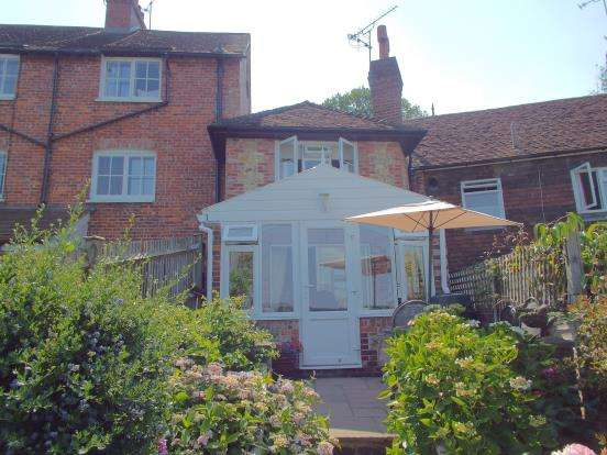 2 Bedrooms Terraced House for sale in Petworth, West Sussex