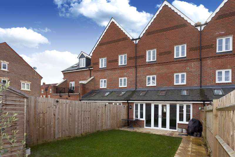 4 Bedrooms Town House for sale in Ellis Road, Wickhurst Green