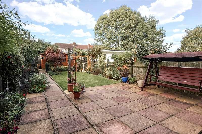 3 Bedrooms Terraced House for sale in Hughenden Avenue, Harrow, HA3
