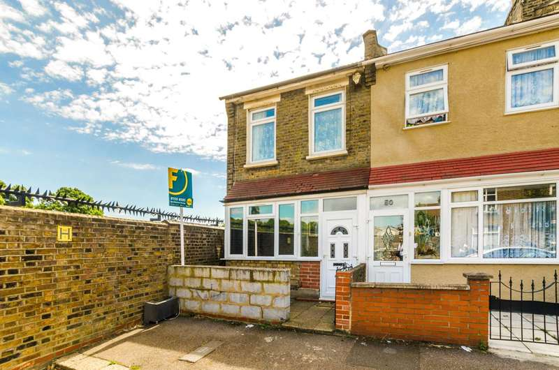 2 Bedrooms Flat for sale in Heyworth Road, Stratford, E15