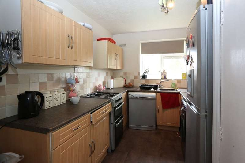 3 Bedrooms Flat for sale in caddick street, bilston, West Midlands, WV14