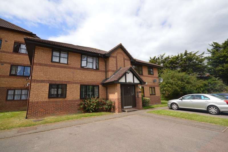 1 Bedroom Flat for sale in Frobisher Road, Erith, DA8