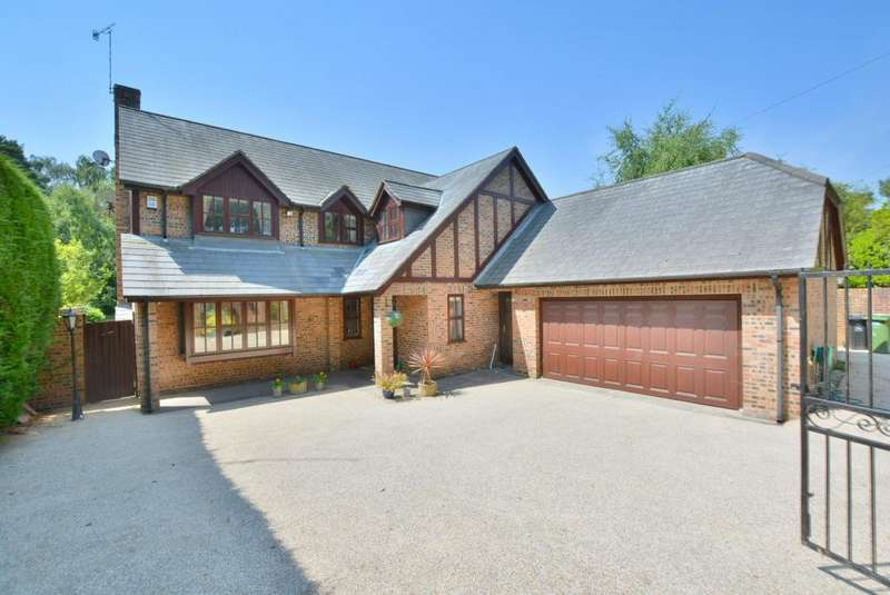 4 Bedrooms Detached House for sale in Lilliput, Poole