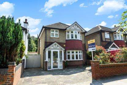 3 Bedrooms Detached House for sale in Bridle Road, Shirley, Croydon