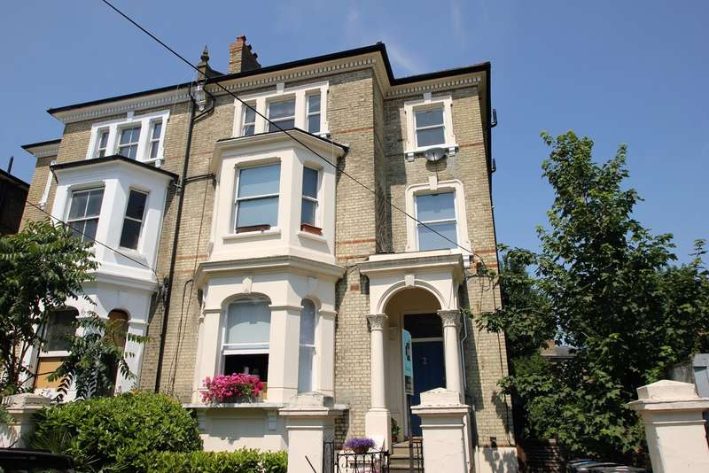 1 Bedroom Flat for sale in St Philips Road, Surbiton