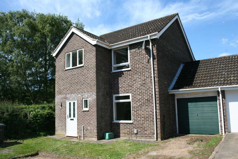 3 Bedrooms Detached House for sale in ABINGER WAY NORWICH