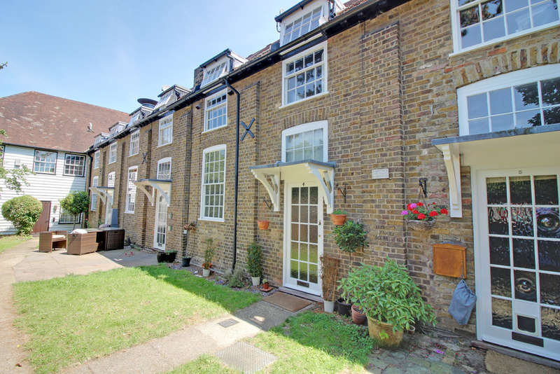 3 Bedrooms Terraced House for sale in Malting Mews, Hertford