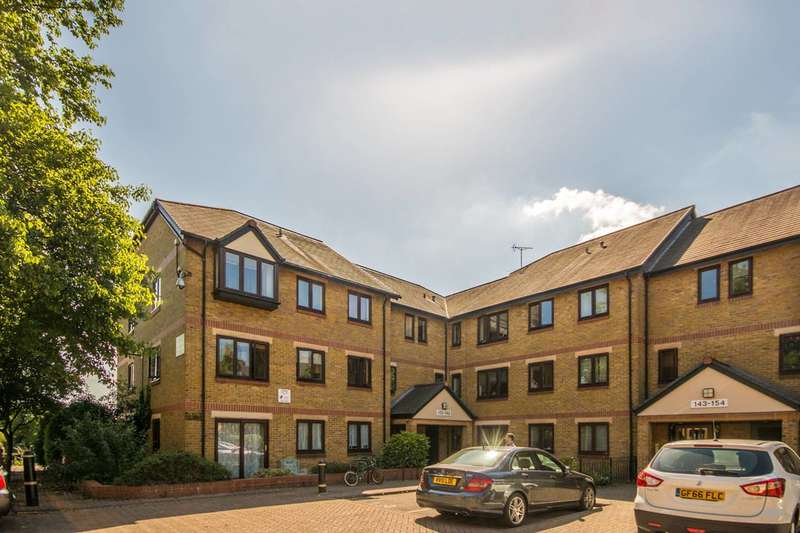 1 Bedroom Flat for sale in Riverside Close, Clapton, E5