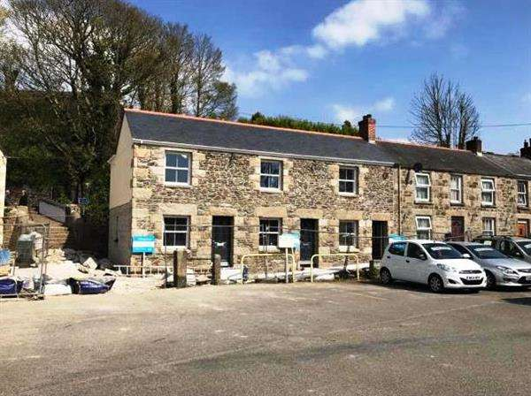 2 Bedrooms Terraced House for sale in HELSTON